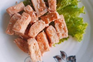 How to cook fried tofu with lemongrass